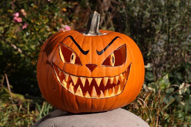 rémisztő halloween tök arc