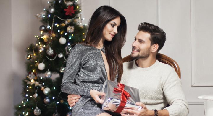 szerelmes pár, karácsonyfa
